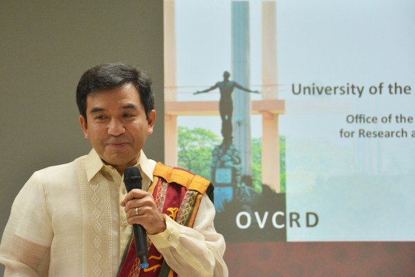 Vice Chancellor for Research and Development, Dr. Fidel R. Nemenzo, welcomes the delegates and gives an introduction on the University of the Philippines.